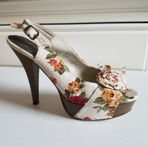 Madden Girl The Hizzie Floral Peep Toe Pump